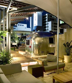The Grand Daddy's Airstrea Penthouse Trailerpark