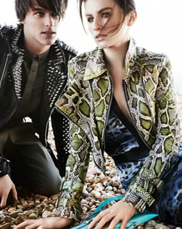 Burberry SS11 campaign (detail). Photo: Mario Testino